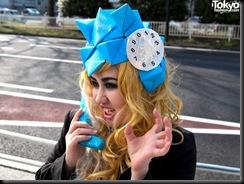 Lady-Gaga-Japanese-Fans-2010-04-17-024-P7176-600x450