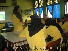 Download Hasil Diskusi Seni Musik Barok di SMAN Pintar Kuansing 6