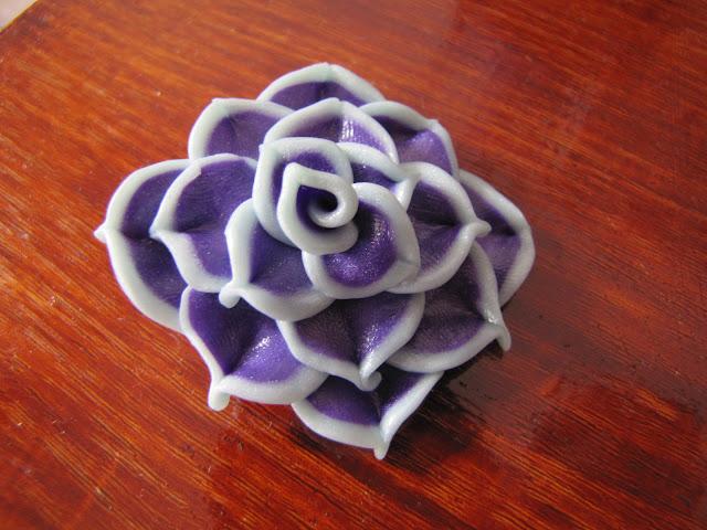 Cercei surub handmade trandafir dalie colorati