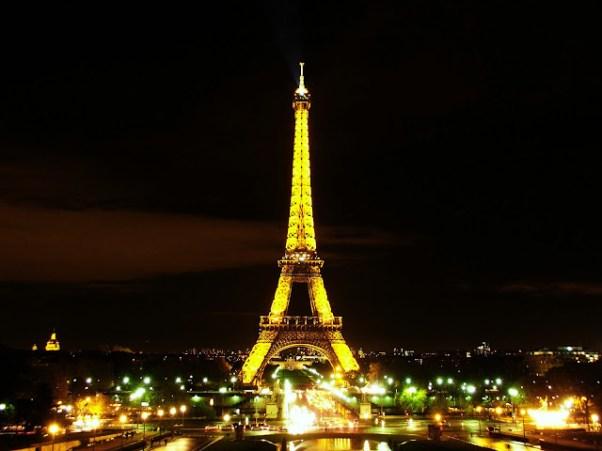 París - Tour Eiffel by Luis Serrano