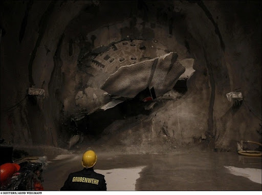longest-rail-tunnel (9)