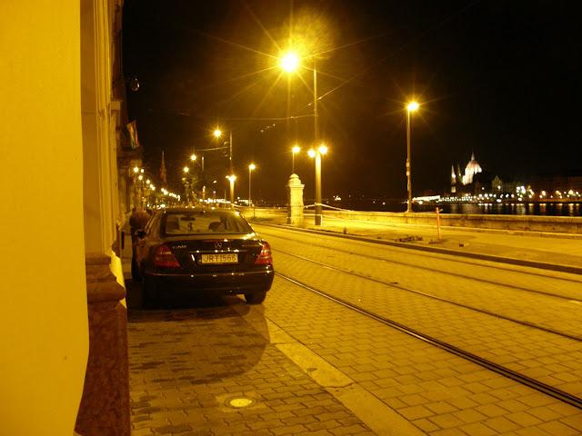 Budapest,  blog, Budai rakpart,  Lánchíd,  parkolás