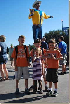 kids by Big Tex closeup