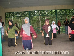 Sanggar Seni Seroja Latihan Tari Somba Cerano di SMAN Pintar Kuansing 2