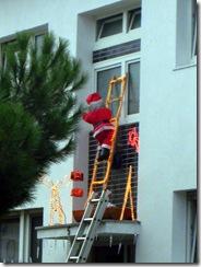 Santa breakin