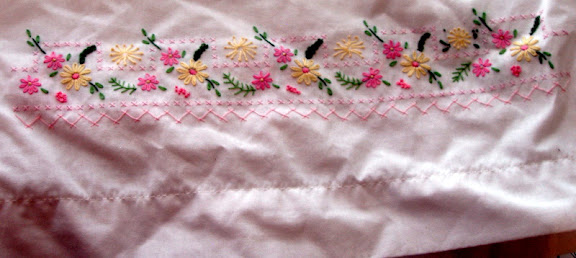 embroidered pillowcase edge