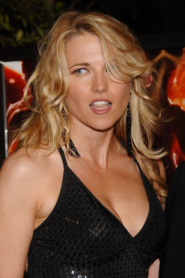 Lucy Lawless3