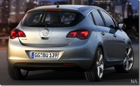 2010-Opel-Astra-4