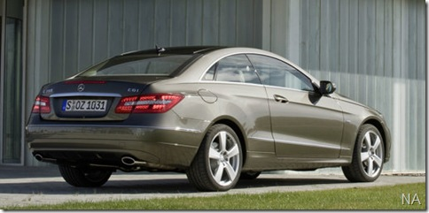 Mercedes-Benz-E-Class_Coupe_2010_800x600_wallpaper_47