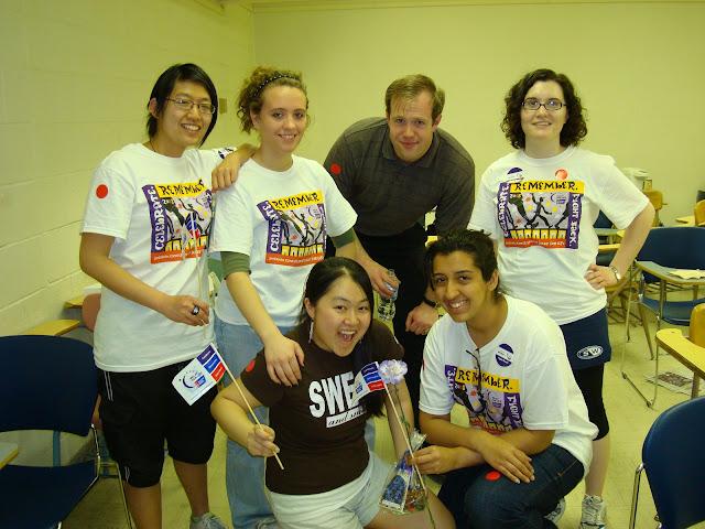 UIUCs 2008 Relay for Life team.
