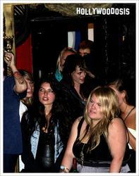 Fotos de Robert Pattinson y Kristen Stewart romanticos en concierto