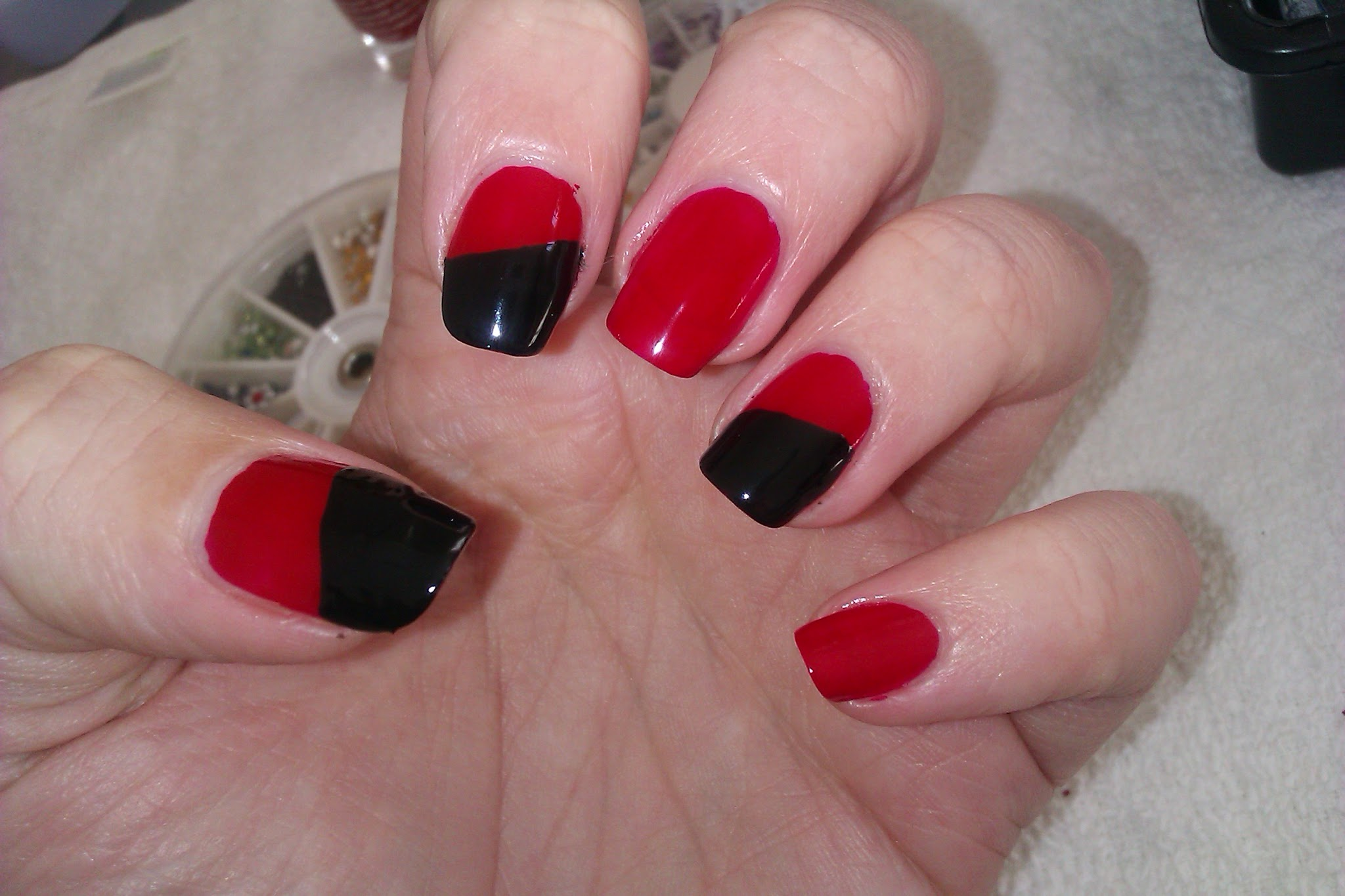 Nail Art Design Black And Red