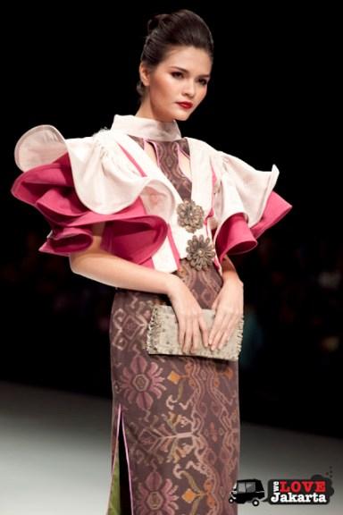 Mangala Iddhu Chandra_Silk Road_Indonesia Fashion Week 2013_Jakarta_JCC Senayan