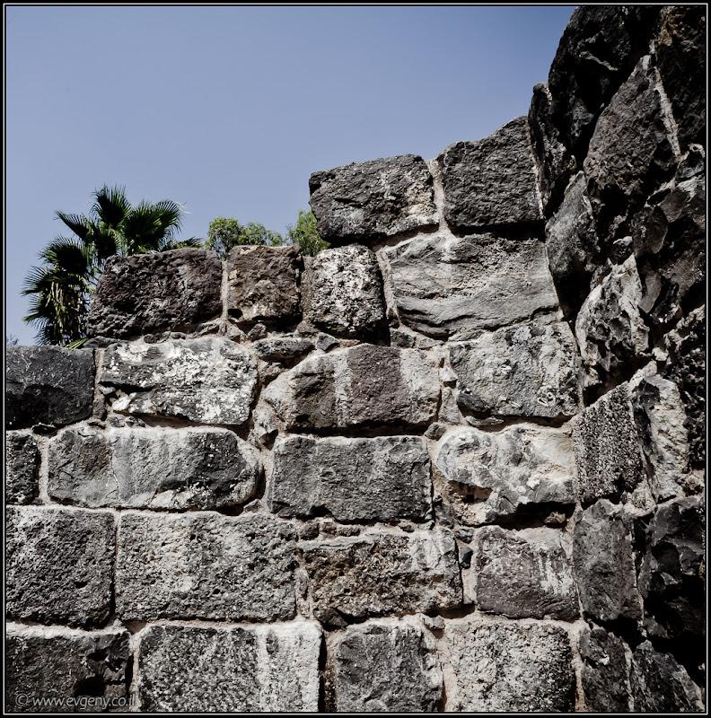 Фото: Стены древнего...