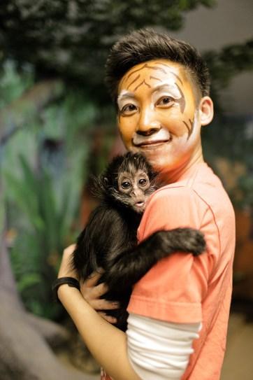 Black Spider Monkey Pictures.
