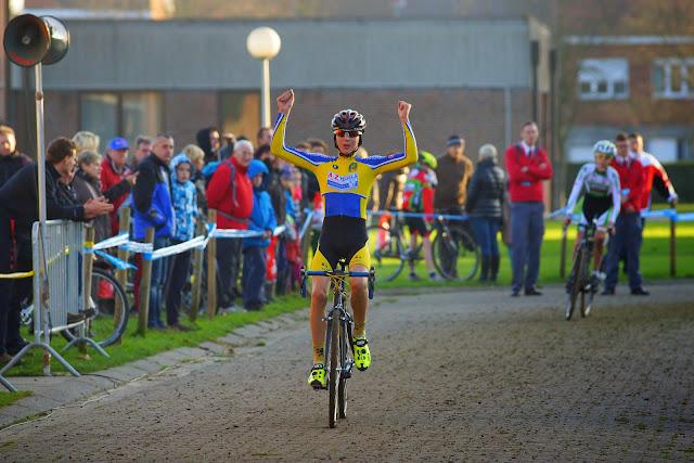 Yente Peirens wint aspirantencross mska Roeselare