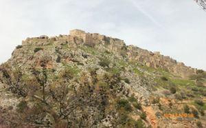 Terk edilmiş olan Anavatos köyü