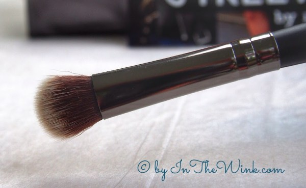 Crown Brush : Infinity Shadow/Crease Duet Brush