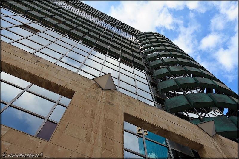 Фото: Тель Авивские небоскребы / בית אמות הביטוח
