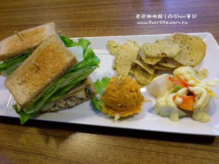 我挺推薦老巴咖啡館的鮪魚三明治
