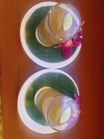 Complimentary honey and lemon juice at the Mandarin Oriental