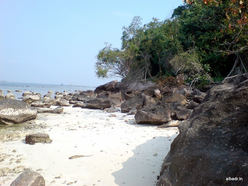 Beautiful Landscape of Mutun Beach and Tangkil Island – part 3 of 3 : The Island (4/6)