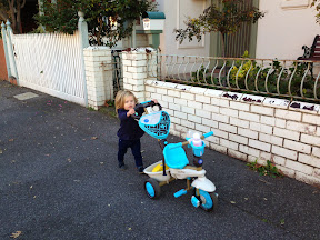 Maisie tests the Smart-Trike for herself!