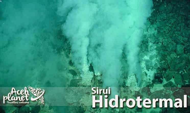 Menyelami Gunung Api Bawah Laut Sirui