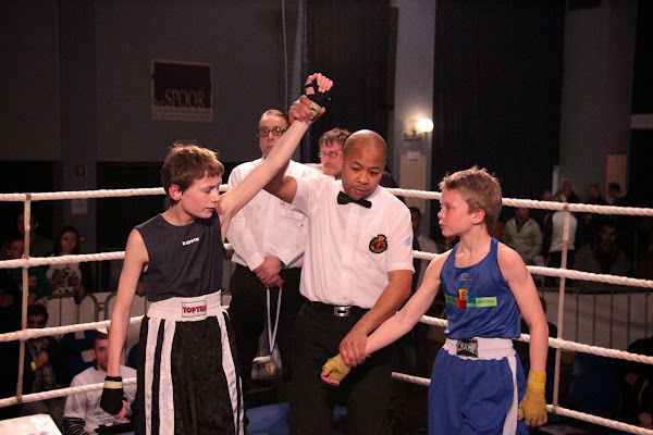 Demesmaeker vs Arne Bart, boksmeeting Harelbeke 22 maart 2014