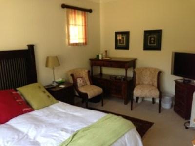spacious-bedroom-brooklyn-pretoria