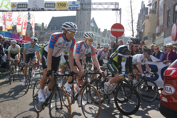Dwars door Vlaanderen start in Roeselare