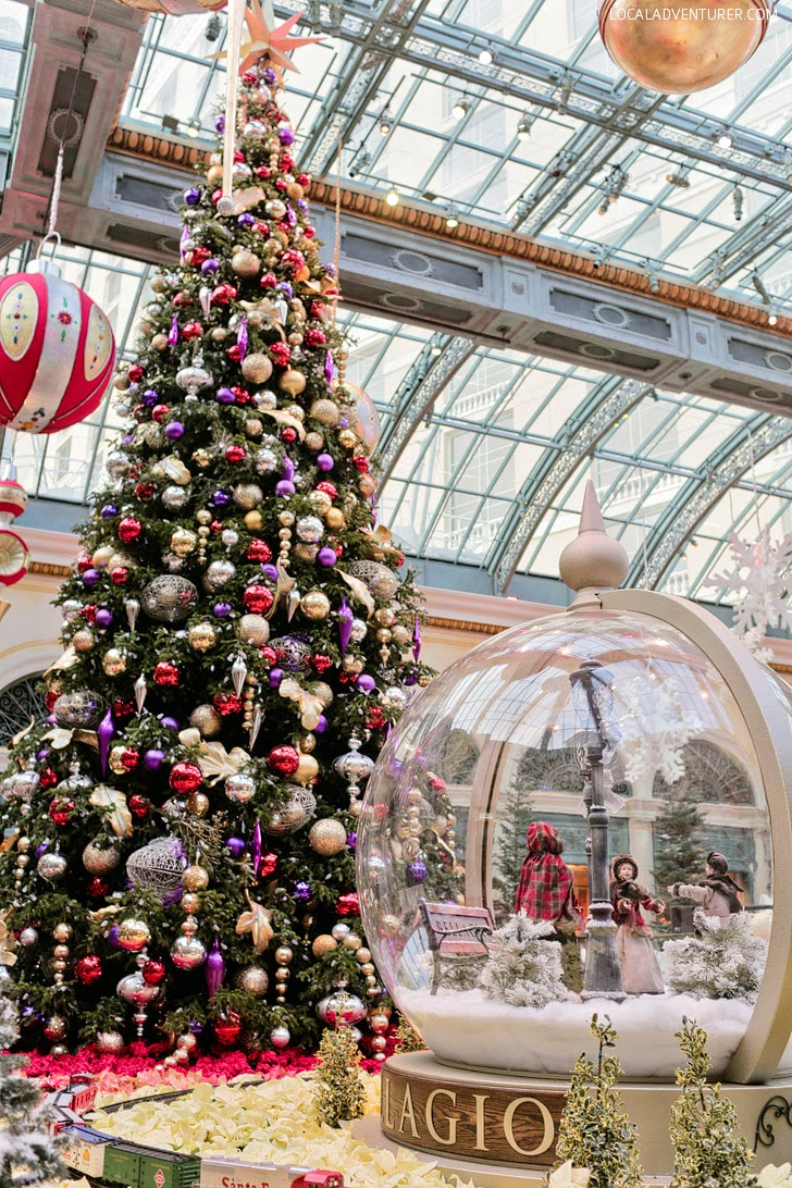 Christmas Tree at the Conservatory at Bellagio.