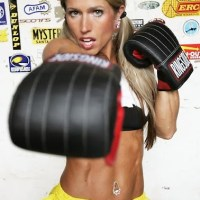 Early Fitness Model Darla Benfield is too hot for Vimeo