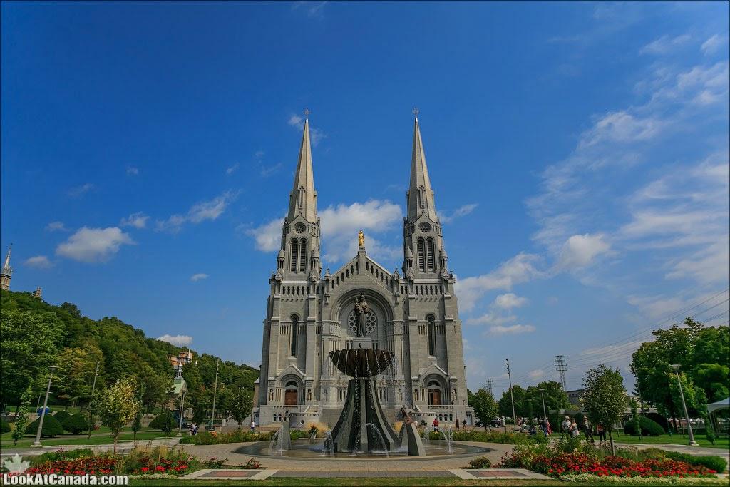 LookAtCanada.com / Sainte Anne de Beaupre - город и церковь