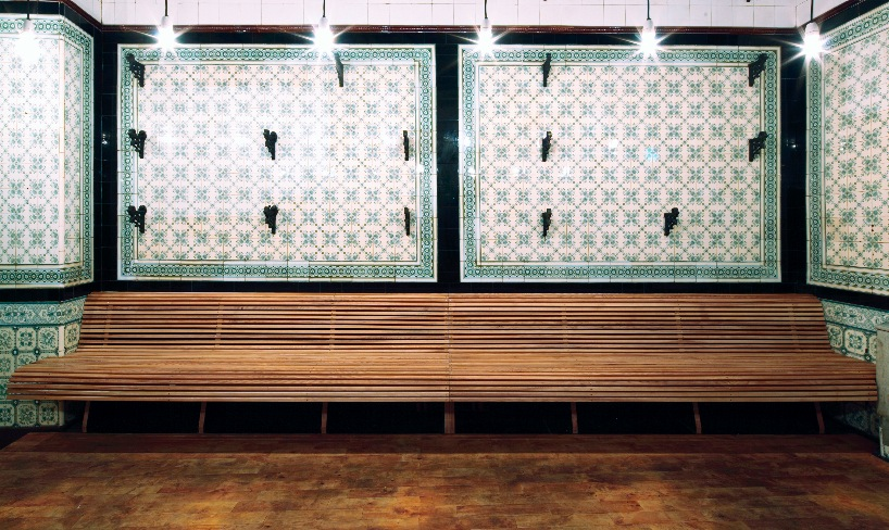 *改造中古世紀德國肉鋪的咖啡酒吧:Michael Grzesiak 保有原始彩繪磁磚! 5
