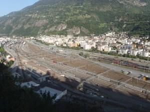 Von Rafji hat man Überblick über den Bahnhof Brig