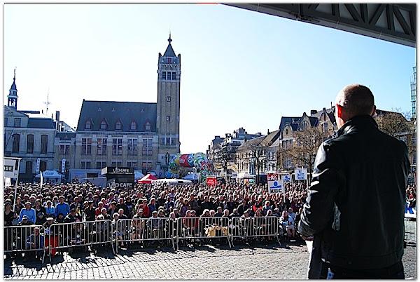Michel Wuyts op Grote Markt Roeselare