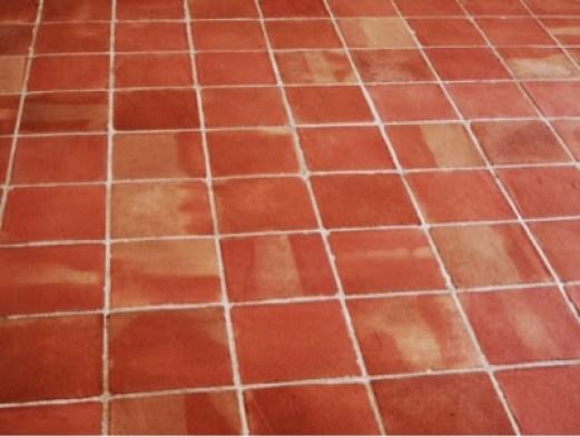 C mo limpiar un suelo de barro cocido pepa tabero - Como quitar rayones en el piso de ceramica ...