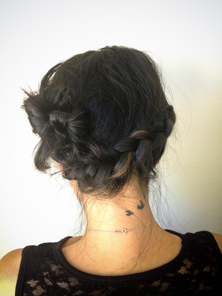 Side french braid bun // Quick and Easy Hairstyles.