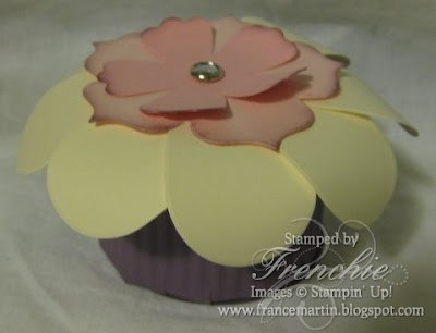 Stampin'Up! Flower Look like a cupcake!