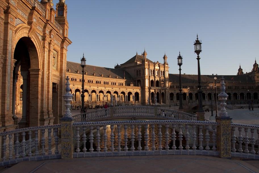 3. Beitrag 2012 – Brücken am Plaza de Espana (4/6)