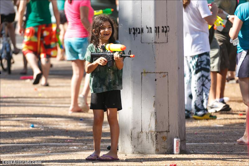 Граффити Тель Авива о будничном