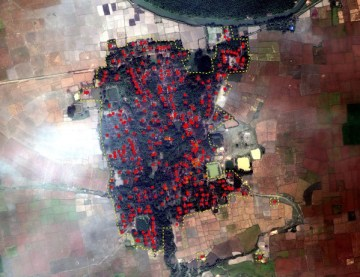Yan Thei Village, Mrauk-U Township, on 3 November 2012: Post-attack view of village in satellite image with annotated building damages. Damage Analysis: Human Rights Watch; Image ©: DigitalGlobe 2012; Source: EUSI