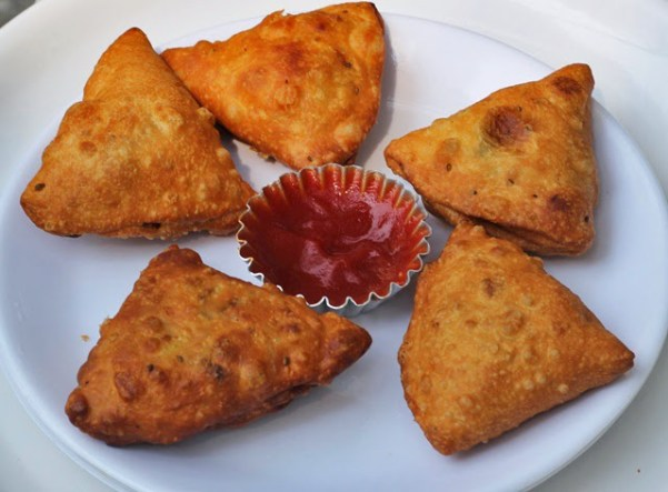 Samosa Recipe | How to make Punjabi Samosas at home | Step by step pictures and video tutorial for samosa recipe | Written by Kavitha Ramaswamy of Foodomania.com