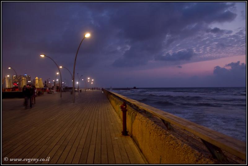 Тель Авив. Порт. Вечер