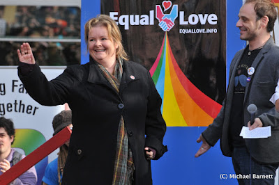 Magda Szubanski calling for marriage equality