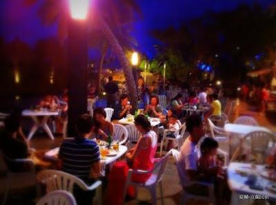 宜蘭民宿 - 夏爾 Shire Homestay: 夏日party開始囉!啤酒 烤肉 泳池 之夜~邀請大家一起來Happy