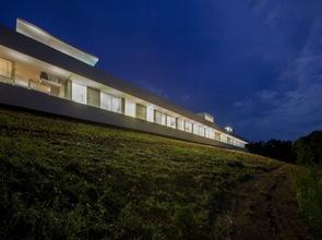La casa mas larga de 15 metros de largo