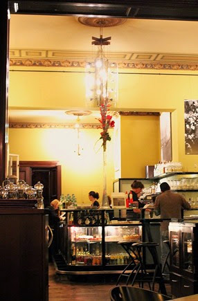 Cafe im Literaturhaus (c) Fiona Potter (7)