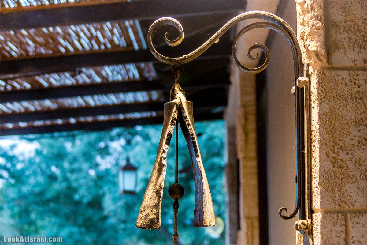 Менахемия - Козья Ферма Аз Из и медицинский музей Бейт ха-Рофе | Menahemia - As Is farm and medical museum | LookAtIsrael.com - Фото путешествия по Израилю | מנחמיה - חוות עז עיז ובית הרופא